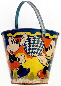 Mickey and Minnie Mouse beach bucket