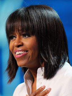 New Arrival Natural Michelle Obama Hairstyle Short Straight Wig with Bang Human Hair 10 Inches Michelle Obama Photos, Michelle Obama Fashion, Barack And Michelle, Barack Obama, Celebrity Bangs, Celebrity Hairstyles, Cool Hairstyles For Girls, Hairstyles With Bangs, Hairstyle Short