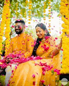 Unique haldi ceremony photoshoot ideas to make your wedding special - Simple Craft Ideas Mehndi Ceremony, Haldi Ceremony, Bridal Jewellery Inspiration, Wedding Inspiration, Got Married, Getting Married, Image Photography, Wedding Photography, Mehendi Outfits