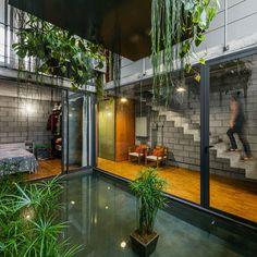 A casa Mipibu é mais um lindo projeto do pessoal da Terra e Tuma Associados. A residênia fica em São Paulo, na Lapa, e possui 170m². Segundo os arquitetos,