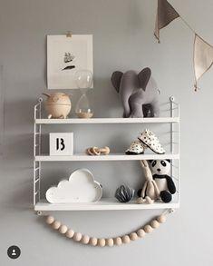 What a pretty shelfie - kids room - Baby Bedroom, Baby Boy Rooms, Baby Room Decor, Kids Bedroom, Bedroom Decor, Room Kids, Nursery Shelves, Baby Room Shelves, Bookshelves In Bedroom