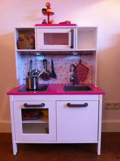 Ikea keukentje, net even anders.... Custom Made Furniture, Kids Furniture, Painted Furniture, Ikea Kids Kitchen, Toy Kitchen, Playroom Design, Playroom Decor, Toy Storage, Play Houses