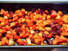 Hunajainen juurespaistos / Oven baked root vegetables with honey Root Vegetables, Oven Baked, Sweet Potato, Side Dishes, Honey, Potatoes, Baking, Food, Bread Making