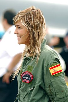 Very cool! Spanish Female Pilot :)