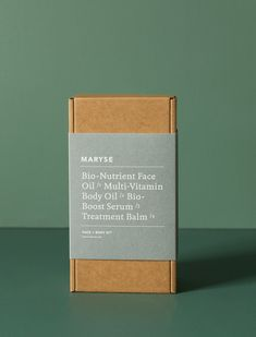 2018 Holiday Gift Guide: 5 Gift Kits for the Practical-Minded Person - Remodelista - Packaging - The Face + Body Kit by Maryse features all the 'hero' products from her bespoke, cult skin coll - Perfume Packaging, Candle Packaging, Coffee Packaging, Soap Packaging, Print Packaging, Beauty Packaging, Cosmetic Packaging, Kraft Box Packaging, Product Packaging Design
