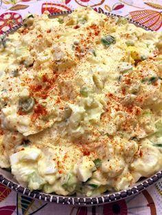 Easy Potato Salad Potato Salad With Egg, Potato Salad Recipes, Easy Potato Salad, Best Potatoe Salad, Deviled Egg Potato Salad, Chicken Potato Salad, Potato Salad Mustard, Classic Potato Salad, Barbaque Side Dishes