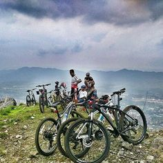 uphill lagi nih dari om @ikbalrramadhan :D  #pacificbikerider #pacificbikes #sepeda #sepedagunung #bersepeda #mountainbike #mtbindonesia #crosscountry #offroad