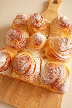 Milk cream marble bread (using HB) by [Cookpad] million simple and delicious recipes for everyone Japanese Bread, Cocina Natural, Bread Shaping, Indian Dessert Recipes, Bread Bun, Dessert Decoration, Cafe Food, Saveur, Creative Food