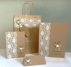 Rustic gift bag - lace and kraft paper bag with twist handles - wedding favour bag - bridal party - wedding shower - christening - new baby Wedding gift bag lace shabby chic wedding favour bag Wedding Favor Bags, Diy Wedding Favors, Wedding Gifts, Chic Wedding, Party Wedding, Wedding Gift Wrapping, Wedding Card, Trendy Wedding, Funky Gifts