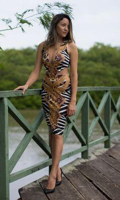 The Leila's Blog: Vestido com recortes laterais