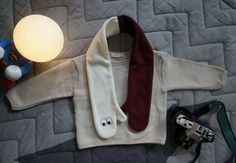 1 Set Beige Cotton Top and White Red Finger Muffler Kids Clothing Made in Korea