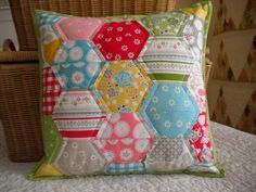 Half-Hexie Pillow || A Quilting Life