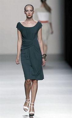 Roberto Torretta - sencillez y femineidad en los vestidos. #robertotorretta #mbfwm