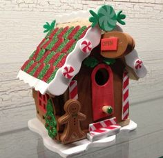 Birdhouse Spotlight: Holiday Homes