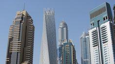 A felhőkarcolók az égbe törnek Dubaiban, ahogy korábban az ingatlanárak is. Mostanra azonban az árhullám elérte a csúcsot, és mostanra jóval kedvezőbbé váltak az ingatlanárak. http://nincsbajdubaj.hu/jo-hirek-a-dubaii-alberlok-es-ingatlanbefektetok-szamara/