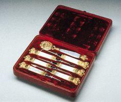 Queen Victoria's oral hygiene instruments