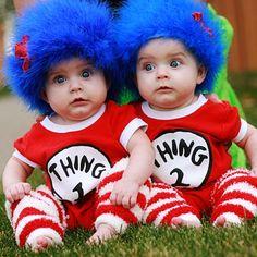 Disfraces para gemelos, encuentra más divertidas opciones en disfraces para este Halloween aquí http://www.1001consejos.com/disfraces-para-gemelos/
