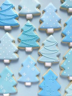 Sugar Cookies are SOLD OUT for the year! Thanks for your support! I'll be back baking in Feb 2019 This listing includes 1 dozen tree cookies. These festive cookies can be done in any colors youd like! Cant decide on colors? Christmas Tree Cookie Cutter, Christmas Sugar Cookies, Christmas Sweets, Noel Christmas, Holiday Cookies, Christmas Baking, Simple Christmas, Christmas Biscuits, Christmas Decorations