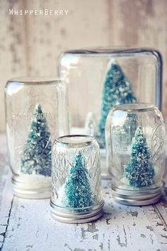 Easy to make DIY Christmas snow globes made from Mason Jars