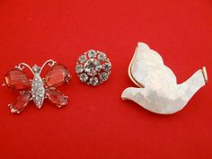 Vintage small lot of 3 brooches with perfect stones in by jeanmc, $15.00