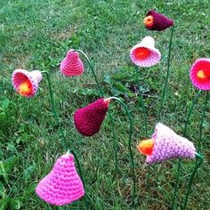 Hæklede blomster til Yarnfarm fra trinekok.dk