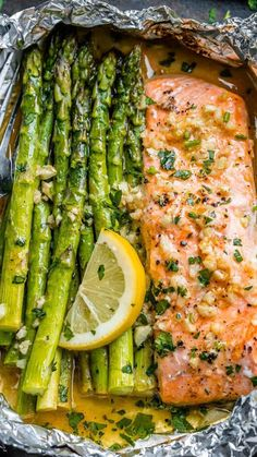 Salmon and Asparagus Foil Packs with Garlic Lemon Butter Sauce - - Whip up something quick and delicious tonight! - by # delicious Healthy Recipes Salmon and Asparagus Foil Packs with Garlic Lemon Butter Sauce Delicious Salmon Recipes, Baked Salmon Recipes, Easy Dinner Recipes, Healthy Dinner Recipes, Beef Recipes, Easy Meals, Easy Recipes, Seafood Recipes, Lunch Recipes