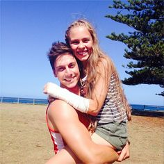 Casey and Darcy (Linc and Alea) - adorable pic!