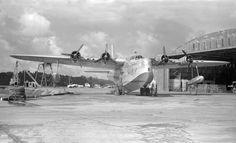 Short Sunderland, Air New Zealand, Flying Boat, Aeroplanes, Old West, Auckland, Vintage Travel, Ww2, Boats