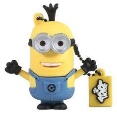 """USB 8 GB - Tim - Minion Tim è il #Minion più alto, con due occhi enormi e un fisico snellissimo! E con i suoi tre ciuffi di capelli, è impossibile non amarlo! I minion sono personaggi piccoli e gialli, i fedeli aiutanti del """"Supercattivo"""" Gru, nel film """"#CattivissimoMe"""". Sembrano usciti in serie da una catena di montaggio imprecisa, tutti quasi uguali ma nessuno identico all'altro, piccoli soldatini operai con la salopette e gli occhialini da lavoro (o mono-occhiale)."""