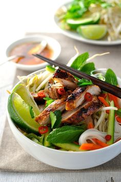 Vietnamese Chicken Noodle Bowl - Easy to make with everyday ingredients you can get from the supermarket. Great for entertaining and BBQ. The marinade is awesome!