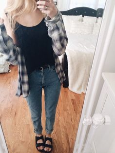 Nothings better than wearing boyfriend jeans, plaid and birm Soft Grunge, Grunge Style, Fall Outfits, Casual Outfits, Cute Outfits, Fashion Outfits, Fashion Ideas, Mode Style, Style Me