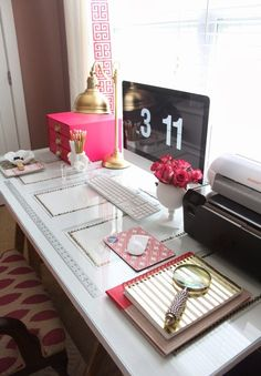 KATE SPADE INSPIRED OFFICE: white and gold #workspace design with glass #desk and modern style