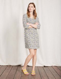 Discover our wide range of dresses for women at Boden, from smart day dresses to partywear. Shop quality British fashion in bold colors, styles, and prints. Day Dresses, Dresses For Work, Linen Tunic, Skinny Girls, Acanthus, My Wardrobe, Georgia, Cold Shoulder Dress, My Style