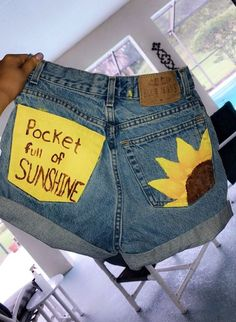 Skinny jeans for womenCalvin Klein Ckj 010 High Rise Skinny Ankle Jeans 27 Calvin KleinCalvin KleinStraight leg jeans for menbugatti jeans men, stretch cotton, blue BugattiBugattiDIY Painted Sunflower Denim Shorts - denim DIY painted shorts Diy Clothes Jeans, Diy Summer Clothes, Diy Clothing, Custom Clothes, Diy Shorts, Mode Shorts, Painted Shorts, Painted Jeans, Painted Clothes