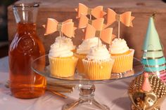 1) Description Of Item: Elegant and simple peach bow cupcake toppers!  2) Size & Details This listing includes 6 peach bow cupcake toppers.