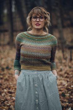 Besten breiwerk : Drea Renee Knits Pattern Shifty Sweater - The Websters in Ashland, Oregon Sweater Knitting Patterns, Knit Patterns, Knitting Sweaters, Fair Isle Knitting, Pulls, Knitwear, Knit Crochet, Textiles, Ashland Oregon