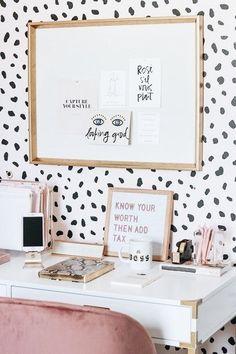 31 trendy Ideas for bedroom desk decor closet Home Office Design, Home Office Decor, Home Office Vintage, Velvet Office Chair, Campaign Desk, Bedroom Desk, Diy Bedroom, Closet Bedroom, Bedroom Apartment
