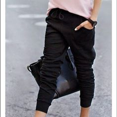 Black joggers Black joggers. Very comfy and versatile! You can dress them up or keep it casual. Drawstring waist. 32 Degrees Pants Track Pants & Joggers