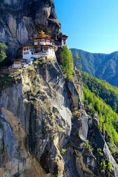 The Tiger's Nest monastery, Paro, Bhutan, por JenFu Cheng en Fivehundredpx Places Around The World, Oh The Places You'll Go, Places To Travel, Travel Destinations, Places To Visit, Around The Worlds, Timor Oriental, Beautiful World, Beautiful Places