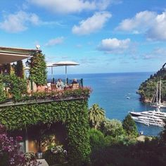 Looking back one year ago to a trip to Portofino ⛴ Time just sped by and it's almost the new year! Let's make the most of 2015  #thefifthcollection #holiday #December #christmas #vintage #fashion #shopping #motivation #travel