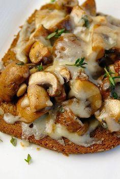 broodje-paddenstoelen-uit-de-oven-5 maar dan met een snelbroodje of anders kh vervangend broodje