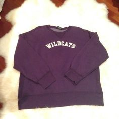 MENS L vintage varsity sweatshirt northwestern Vintage inspired purple sweatshirt in men's size extra large. Wildcats in felt lettering. Excellent condition. Brand is tailgate clothing. Tailgate Sweaters