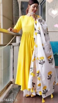 Indian Hand Block Printed Cotton Duppta Manufcturer Contact is part of Designer dresses indian - Pakistani Dresses Casual, Indian Fashion Dresses, Dress Indian Style, Pakistani Dress Design, Indian Gowns Dresses, Indian Outfits, Pakistani Bridal, Indian Attire, Indian Wear