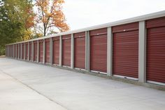 If this is your first time looking for a self storage unit, here are some examples of what the right storage company will offer. Self Storage, Secure Storage, Storage Spaces, Getting Ready To Move, Choice Hotels, Cool Lock, Storage Facility, Moving House