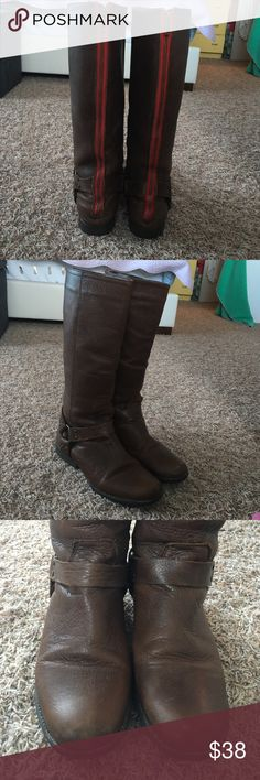 STEVE MADDEN Holden Boots, dark brown, SZ 10 Great used condition! Size 10. Red accent zippers on back. Dark brown and comfy! Great with any outfit:) boots Steve Madden Shoes