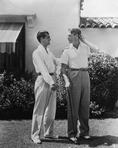 Cary Grant and Randolph Scott—A Hollywood Gay Couple? Golden Age Of Hollywood, Vintage Hollywood, Hollywood Stars, Classic Hollywood, Hollywood Glamour, Clark Gable, Fred Astaire, Dandy, Cary Grant Randolph Scott