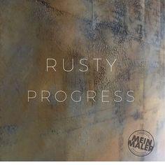 Rusty Progress – Wandgestaltung in #Rostoptik, oder auch Design mit #Rost  Wenn die RustyBasic perfekt durchgetrocknet ist, tragen wir ein- bis zweilagig, je nach Struktur, eine spezielle Eisen-Stahl-Beschichtung auf, die nach und nach mit einem Aktivator zum Rosten gebracht wird. So entstehen absolute Wandunikate, die in Ihrer Art und Weise einmalig sind. Math Equations, Design, Painting Contractors, Joie De Vivre, Paint For Walls, Sheet Metal, Steel, Design Comics