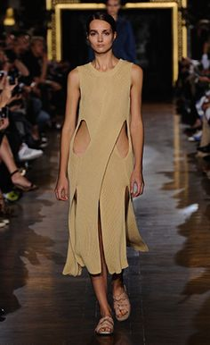 Stella McCartney Summer '15 Look 13 butter ribbed twisting sleeveless dress, butter plexy earrings and Darcy slide.