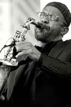 Kenny Garrett Kenny Garrett, Jazz Artists, Jazz Blues, Saxophone, Classical Music, Academia, Cool Cats, Celebrity Photos, Soundtrack