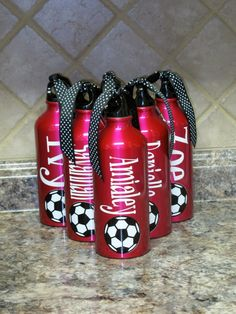 cricut projects with vinyl -Personalized Aluminum Water Bottle Silhouette Curio, Silhouette Cameo Projects, Vinyl Crafts, Vinyl Projects, Soccer Crafts, Aluminum Water Bottles, Cricut Vinyl, Cricut Air, Cricut Craft